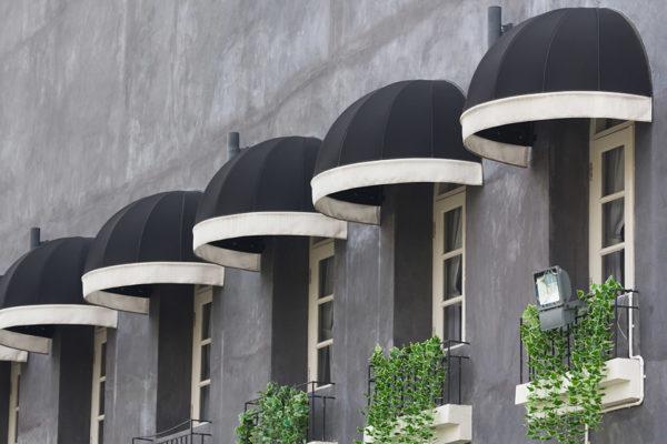 Τέντες Παραθύρων Κουρμπωτές